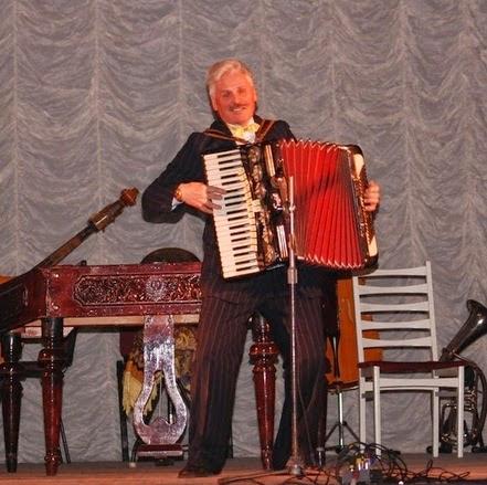 Микола Габрук – концертмейстер-акордеоніст