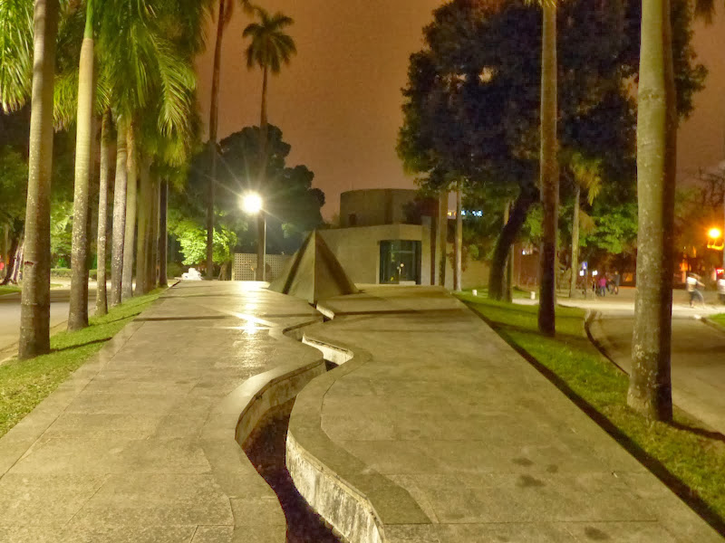 Monument 2 28 de Pingtung