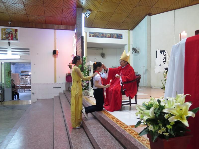 Hình ảnh thánh lễ ban bí tích thêm sức tại giáo xứ Vĩnh Phước - Giáo hạt Nha Trang vào lúc 6g00 ngày 5/6/2016