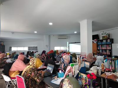 BIU Upgrade Skill Guru SMAN 15 Bekasi