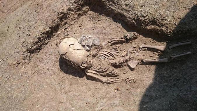 Pesquisadores da Criméia descobriram um crânio alongado de 2.000 anos