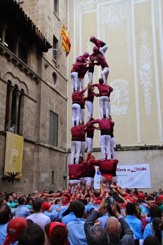 Actuació 20è Aniversari Castellers de Lleida Paeria 11-04-15 - IMG_8968.jpg