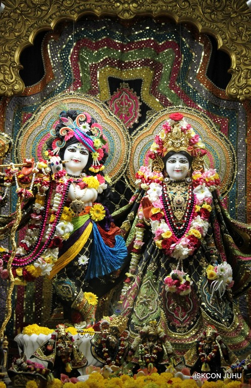 ISKCON Juhu Sringar Deity Darshan 09 April 2016 (48)