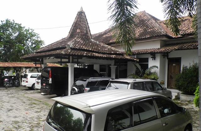 Lelang restorasi gedung DPRD Kabupatan Ngawi tahap I