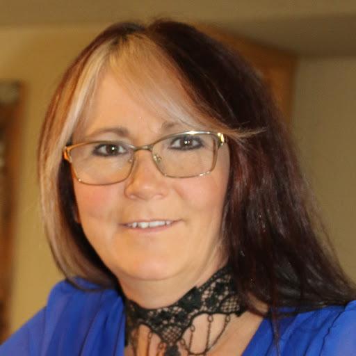 user Tina Lynn Baldwin Huggins apkdeer profile image