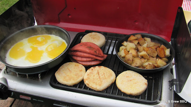 Preparing breakfast on the Grill - Stove