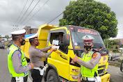 Satlantas Polres Bener Meriah Periksa Surat-surat Kendaraan Bermotor dan Angkutan Umum