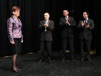 7 Valacsay Franciska valamint Bárdos Gábor polgármester, Orosz Csaba alpolgármester és Kovács Koppány, a kulturális bizottság elnöke.jpg