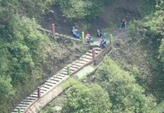 Rencana Pembangunan Jembatan Girpasang, Kemalang di Tinjau Bupati Sri Mulyani
