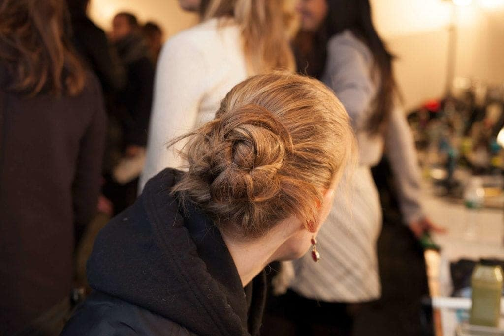40+Latest styles Messy Buns -quick and easy ways! 16