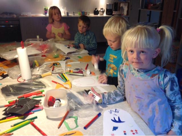 Sønderhå Hørsted Friskole Og Børnehaven Krudtuglen Halloween Udsmykning