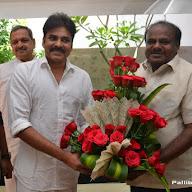 Pawan Kalyan Meet Karnataka ex CM Kumaraswamy