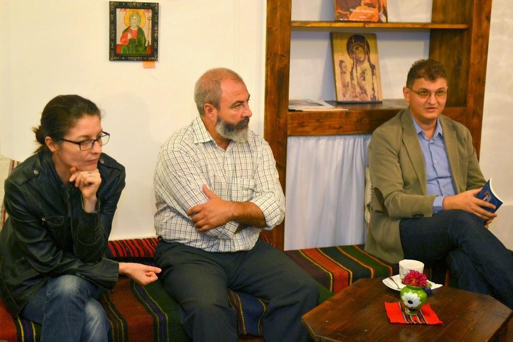Seara literara - Editura Eikon lanseaza patru carti, La Vulturi (2014.09.03) 020