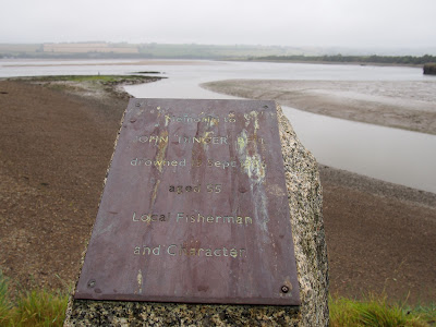 Memorial to John Dinger Bell, local fisherman and character