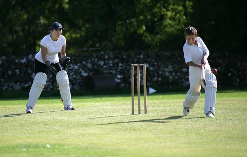 Cricket-Ladies25
