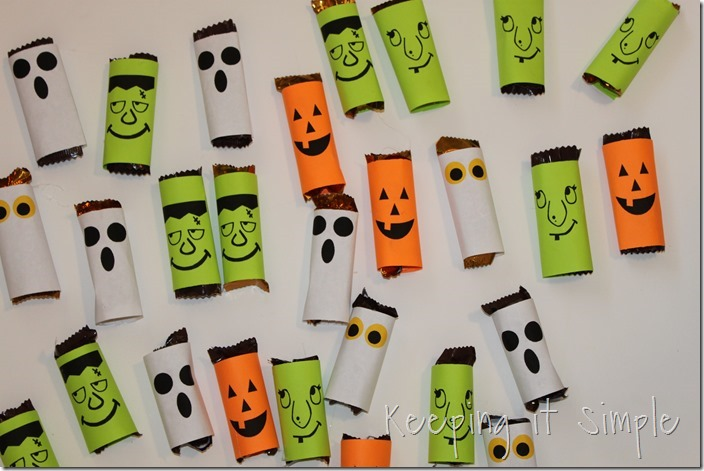 #ad Halloween-candy-bar-wrappers-with-Halloween-jokes-printable #BooItForward (5)