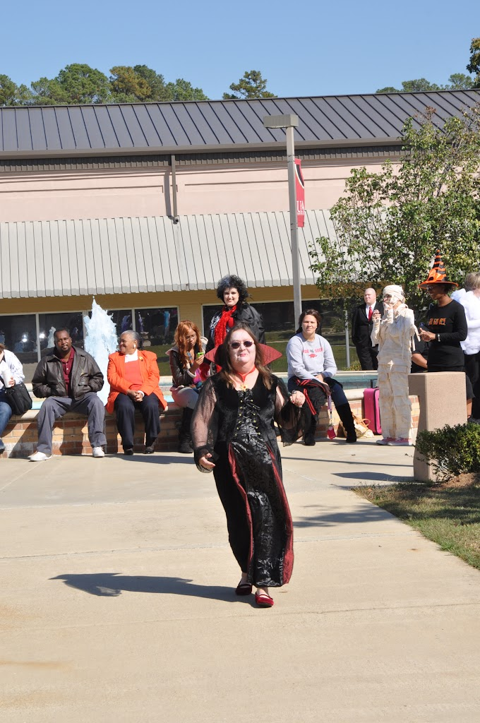 Halloween Costume Contest 2012 - DSC_0201.JPG