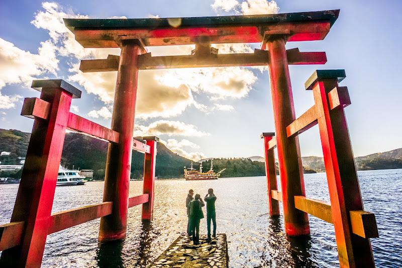箱根神社 平和の鳥居 写真3