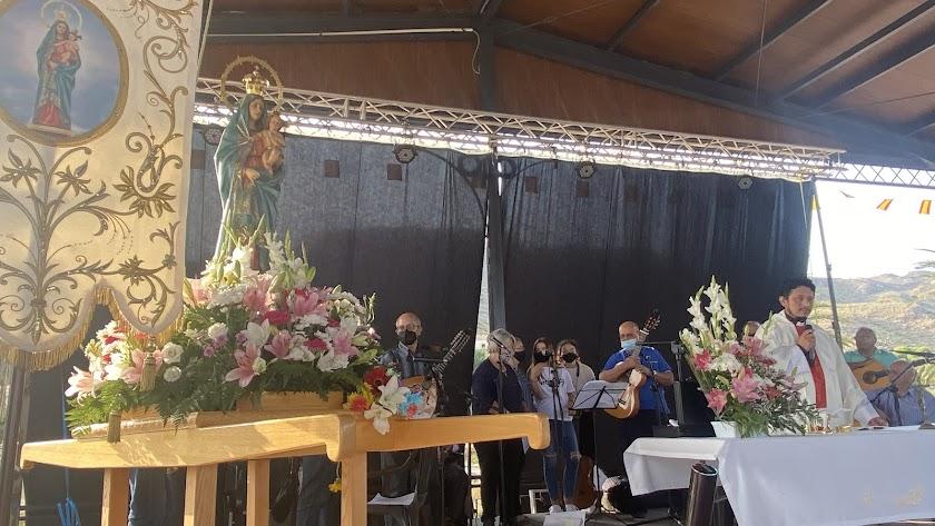 Misa en Honor a la Virgen del Pilar de Jaravía.