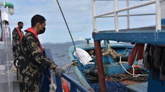Di Laut Sulawesi Ditangkap Dua Kapal Pelaku Illegal Fishing Berbendera Filipina