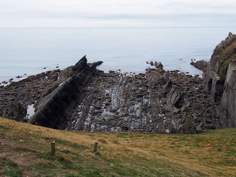 Rock formations at Damehole Point