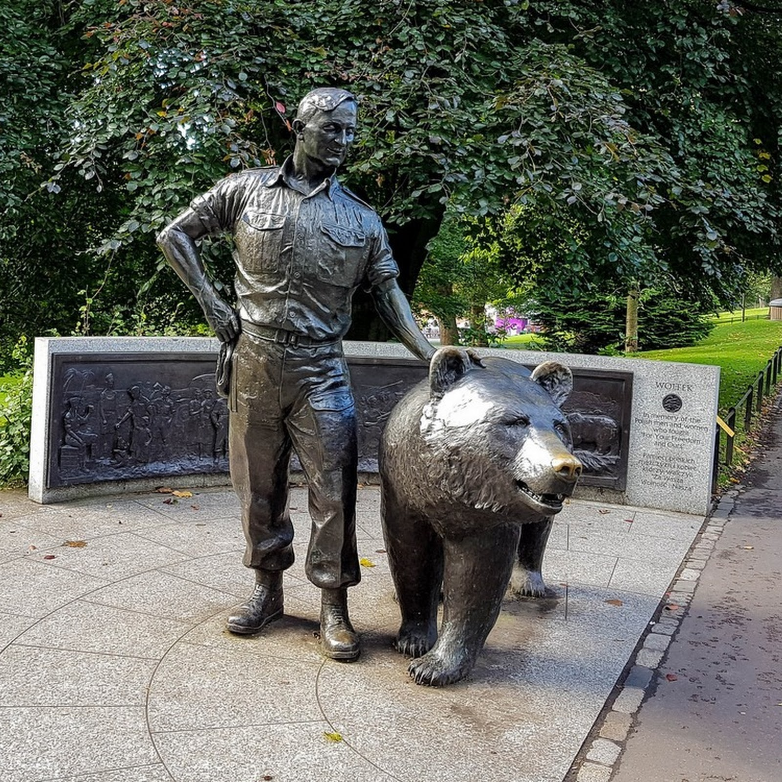 Wojtek: The Bear That Drank Beer And Went to War