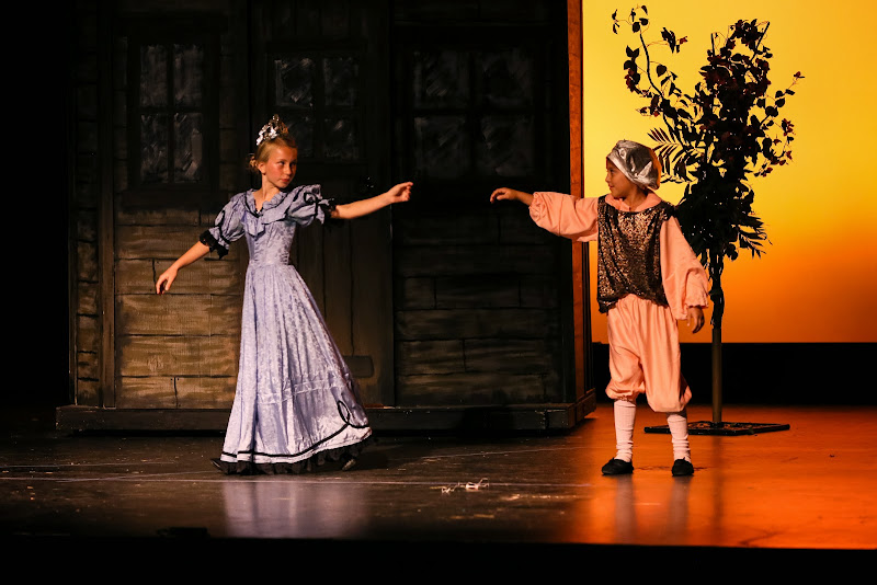 2014Snow White - 73-2014%2BShowstoppers%2BSnow%2BWhite-6197.jpg