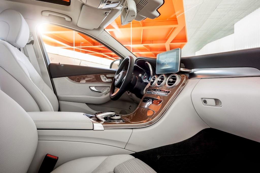 2014-Mercedes-C-Serisi-25