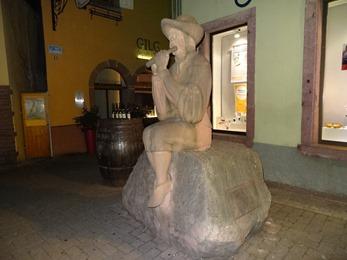 2017.08.25-083 statue de ménestrier