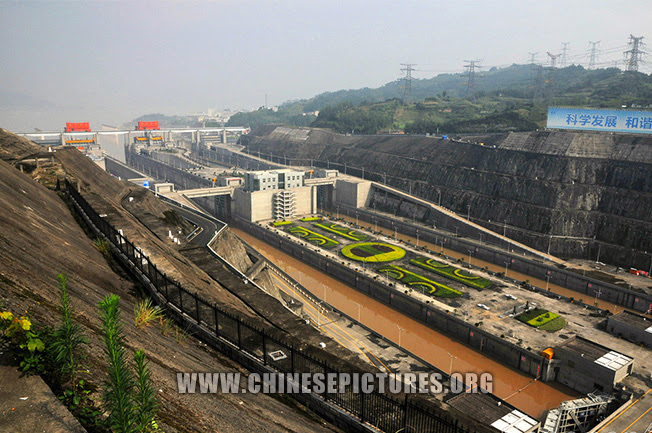 Three Gorges Dam Photo 14