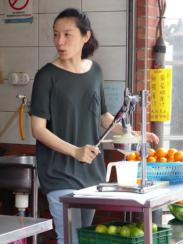 Danshui et une impressionnante collection de moules à gâteaux - P1240780.JPG