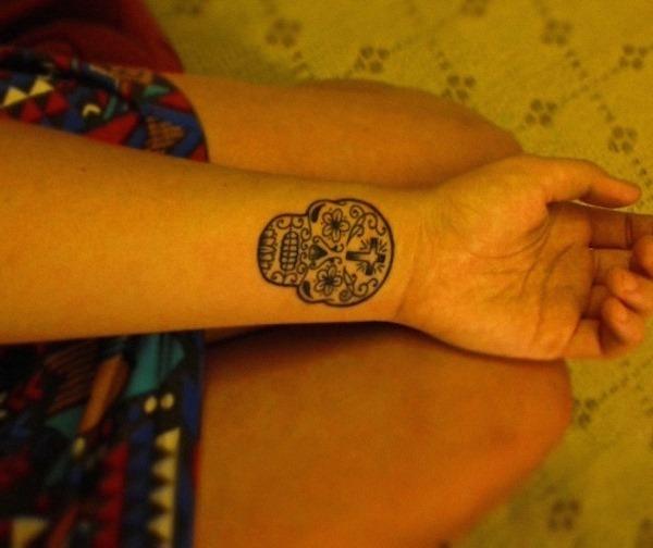açcar_crnio_de_pulso_tatuagem