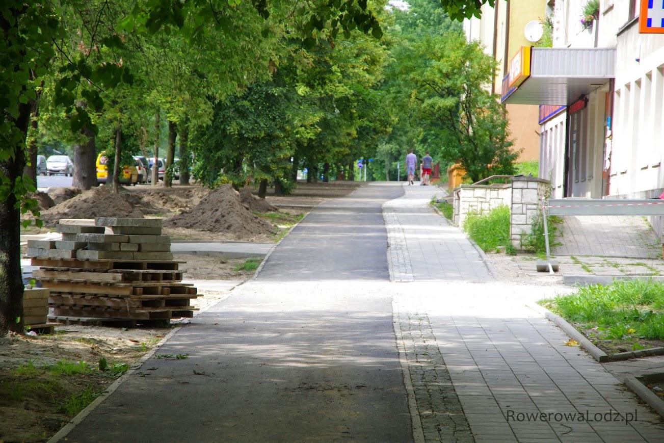Wschodnia rowerówka wzdłuż ul. Spornej.