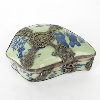 Vintage Chinese Porcelain Box