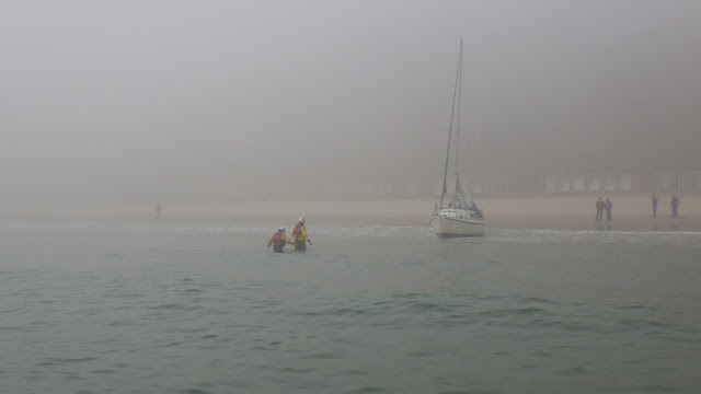 ILB launch to a sailing yacht aground off Canford Cliffs - 9 April 2015
