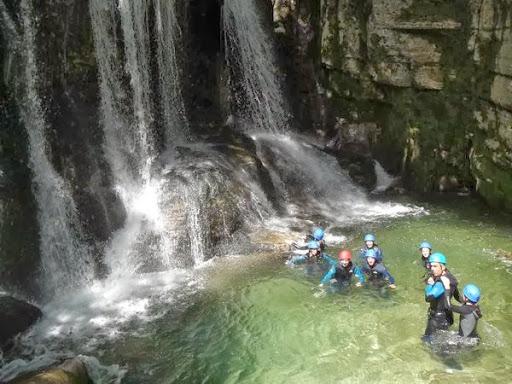 Cascade de tuff du canyon du Furon partie basse