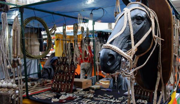 artesanias en la Feria de Mataderos