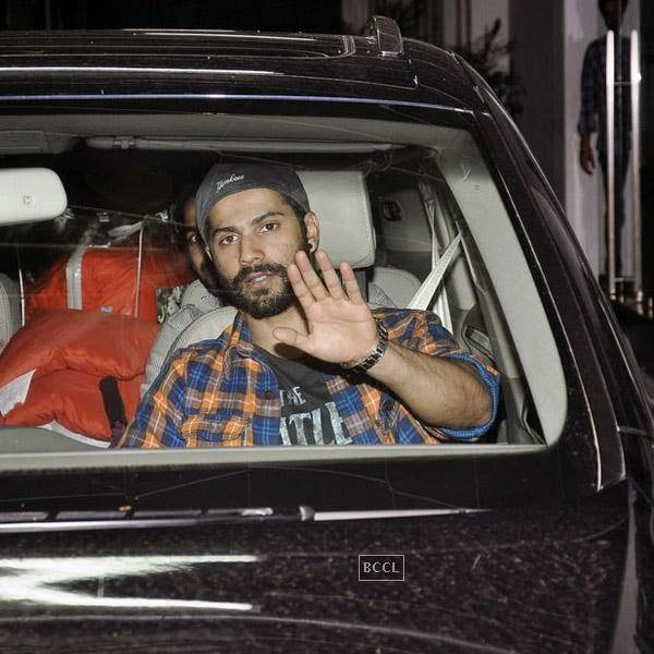 Varun Dhawan snapped at Super Sunny Sound, in Mumbai, on July 30, 2014. (Pic: Viral Bhayani)