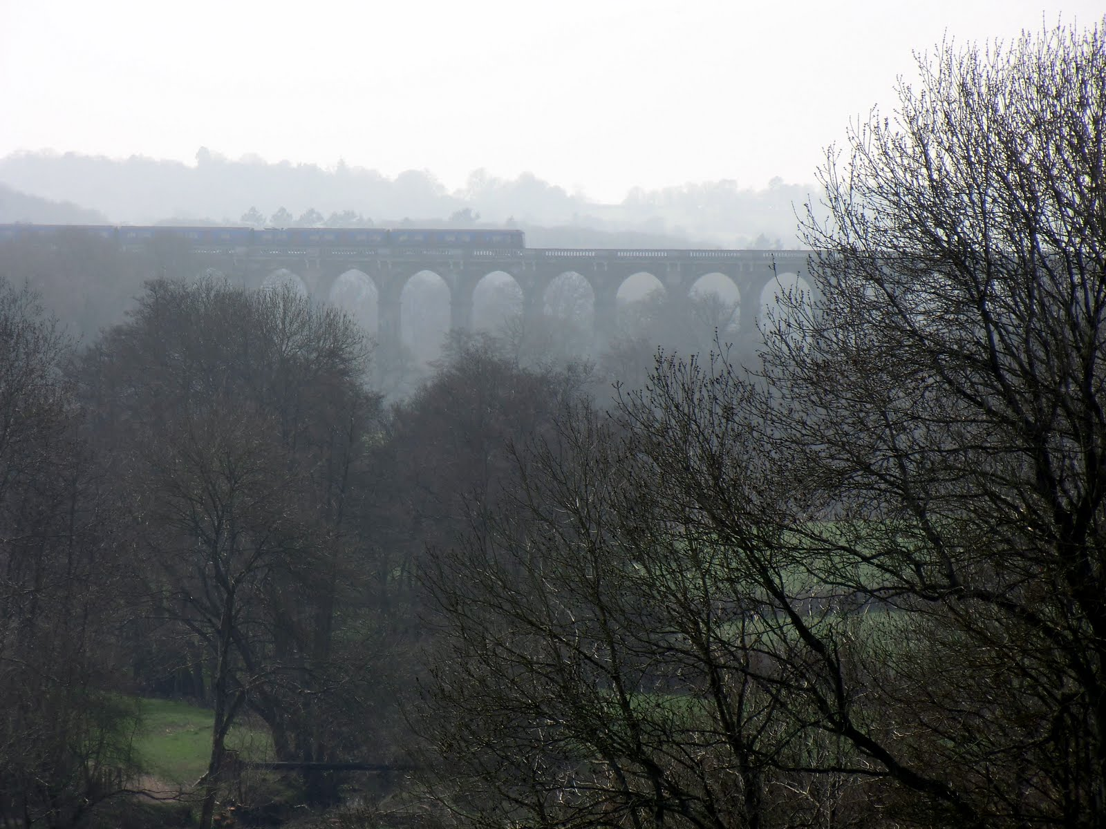 CIMG2085 Misty view of Ouse Valley viaduct