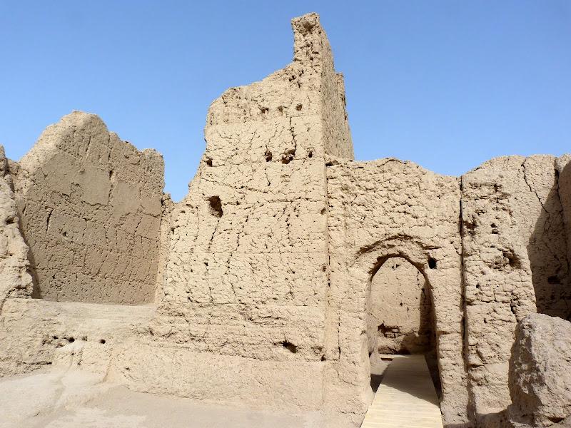 XINJIANG.  Turpan. Ancient city of Jiaohe, Flaming Mountains, Karez, Bezelik Thousand Budda caves - P1270806.JPG