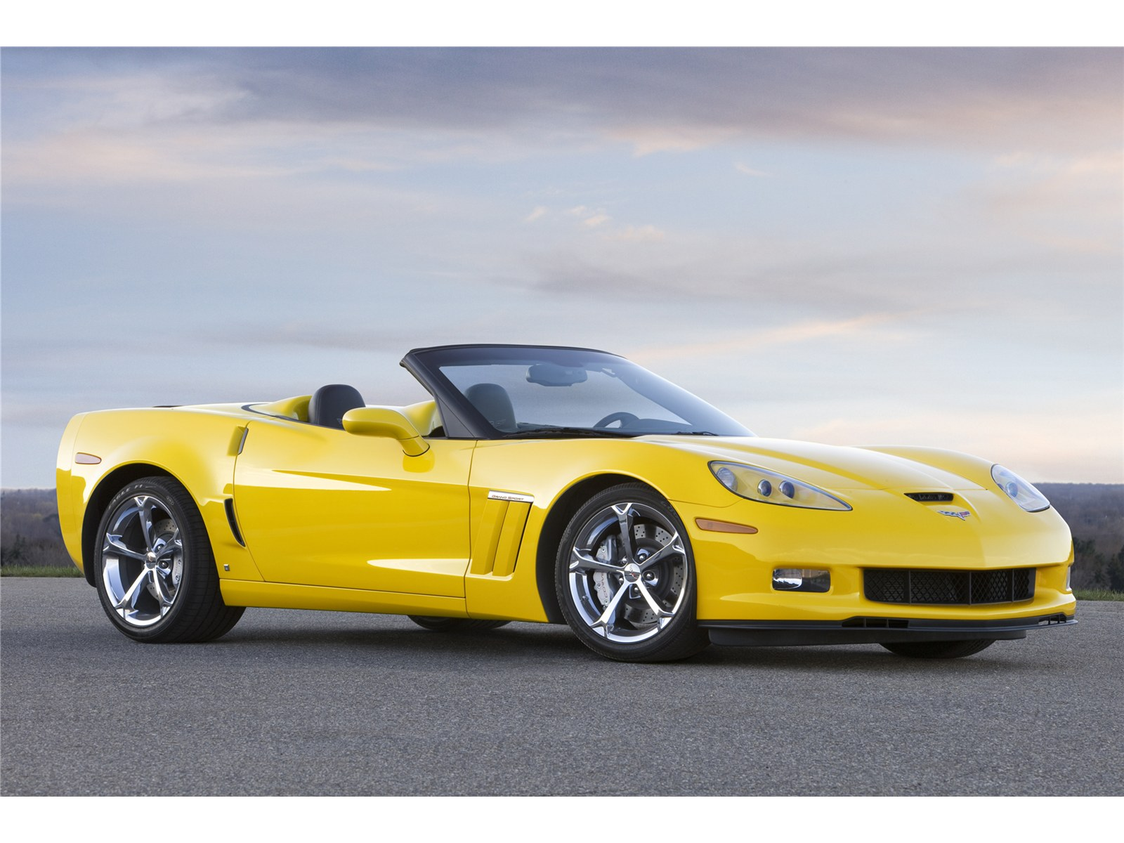 Car Pictures Chevrolet Corvette Grand Sport 2011