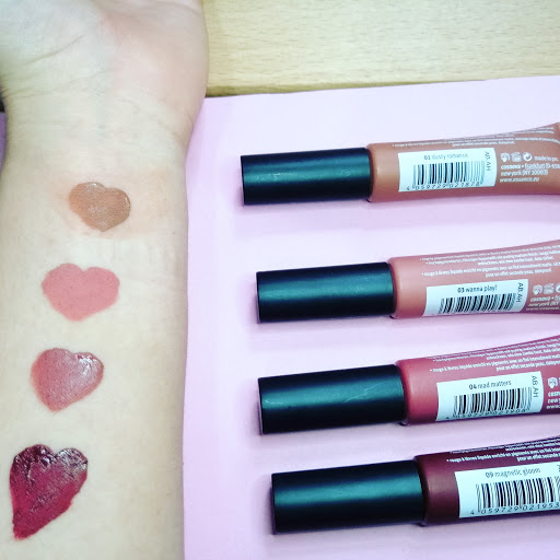 ESSENCE Colour Boost Mad About Matte Rossetto liquido teresagranara
