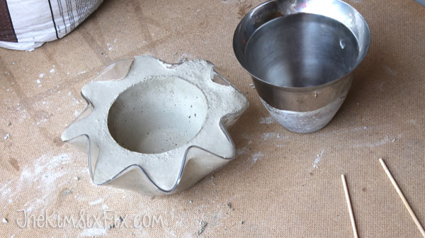 Using thrift store bowl to make concrete planter