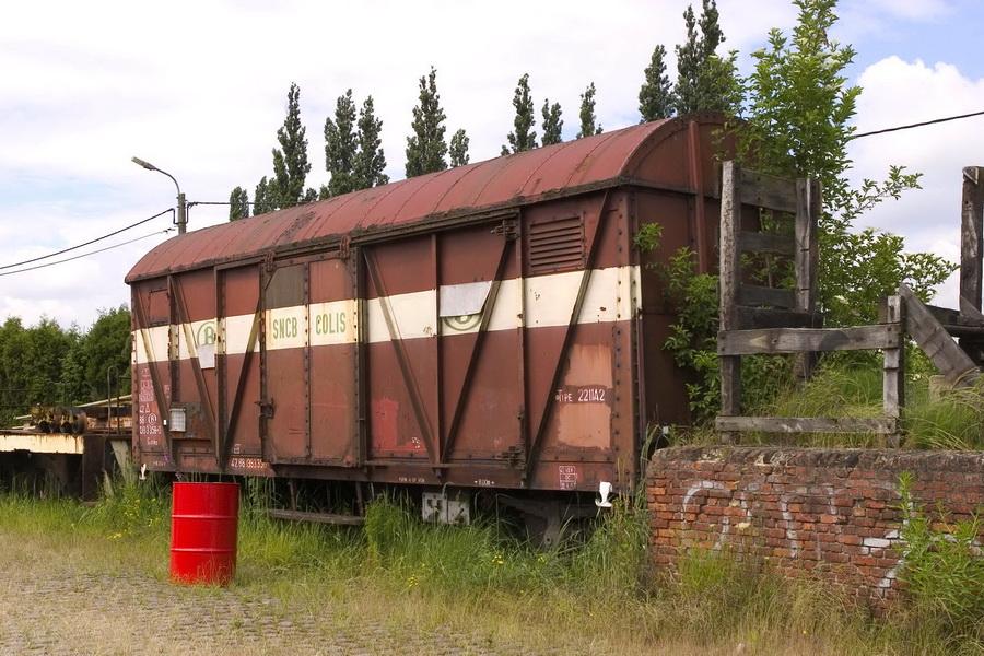 Gkklms Colli goederenwagen 2211A2 bij BVS in Baasrode op 12-06-2004 (foto Alain Janmart)