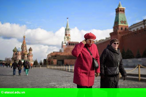 Hình 1: Nga không có lựa chọn nào khác ngoài việc cắt giảm chi tiêu