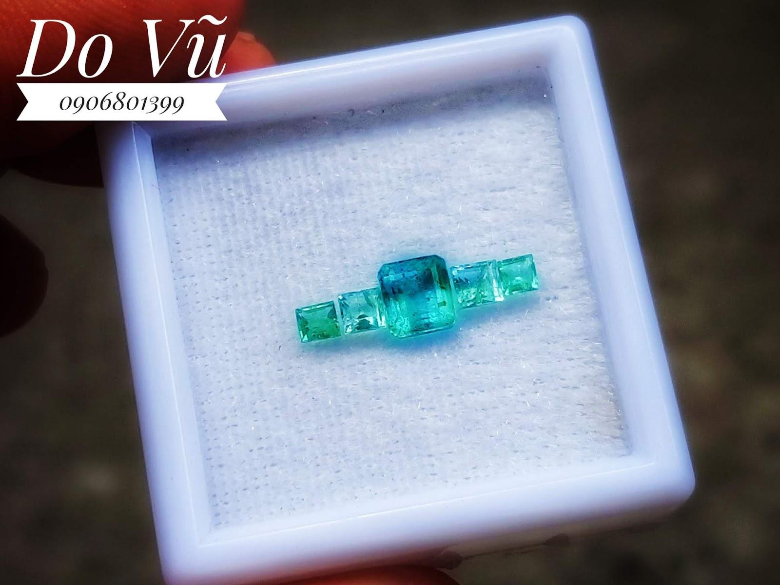 Đá quý Ngọc Lục Bảo thiên nhiên, Natural Emerald chất ngọc kính xanh chuẩn lửa mạnh ( 19/04/20, 07 )