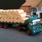 Based on an actual Seddon 13/4 that Reed Transport used, built entirely from RTI components. Parts used... SED2 cab, CH1 chassis, L5 paper load and T10 Semi trailer.