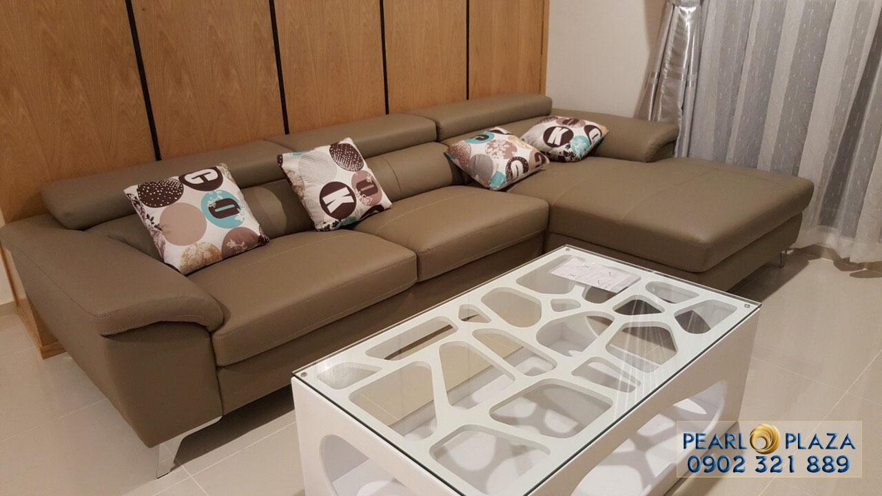 Sofa tại phòng khách căn hộ Pearl Plaza cho thuê