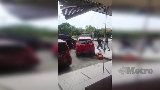 Cuba rempuh polis ditahan
