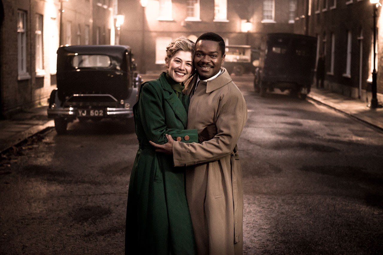 Rosamund Pike and David Oyelowo  star as Ruth Williams and Seretse Khama in A UNITED KINGDOM. (Photo courtesy of Fox Searchlight Pictures).
